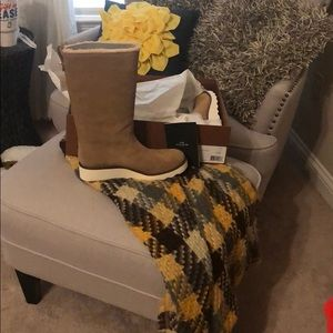 New never worn Authentic Coach suede boots